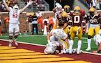 Bowling Green quarterback Matt McDonald ran for a touchdown against the Gophers in the third quarter.