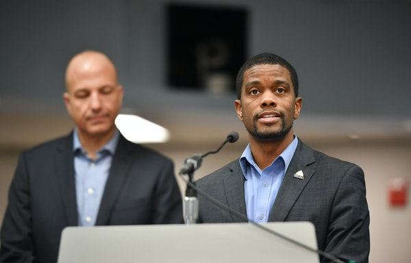In this file photo, St. Paul Public Schools Superintendent Joe Gothard and St. Paul Mayor Melvin Carter held a a joint news conference in 2018.  GLEN