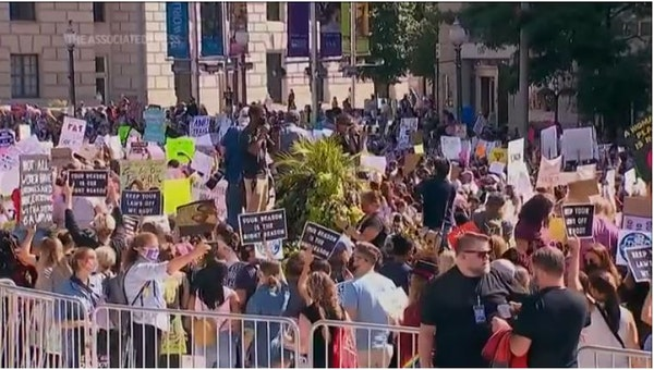 Thousands march in D.C. in support of abortion rights