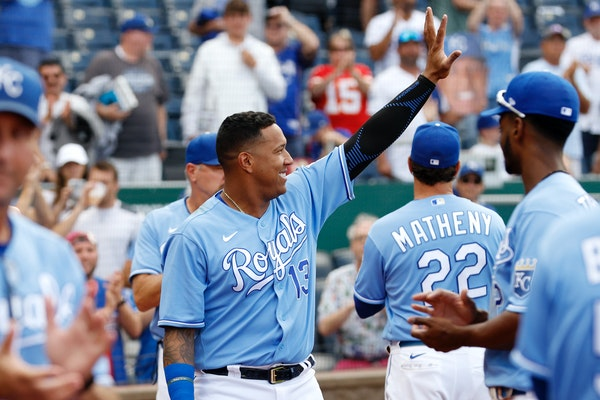 Kansas City star Salvador Perez and other players thanked their fans at the end of Sunday's game.