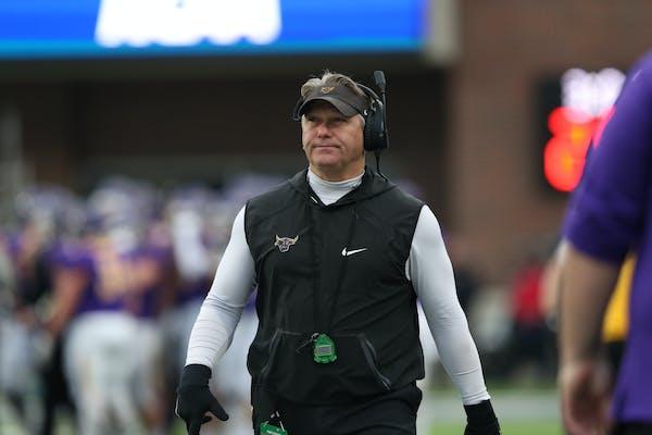 Minnesota State Mankato coach Todd Hoffner