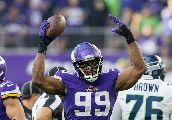 Vikings defensive end Danielle Hunter h as five sacks already this season and will be facing a struggling left tackle on Sunday.