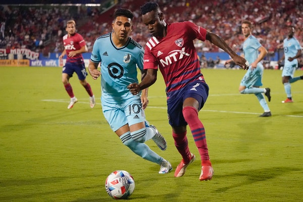 Red card overturned, Reynoso available for Sunday's Loons match