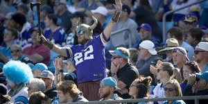 A lone Vikings fan showed his support during the fourth quarter, Sunday, October 17, 2021 in Charlotte, NC. ] ELIZABETH FLORES • liz.flores@startrib