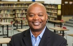 Superintendent Willie Jett will leave the St. Cloud school district at the end of the school year.