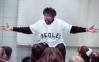 Toni Stone delighted students at Hayes Elementary School in Fridley in 1990. A new national play celebrates the unsung hero of the league.