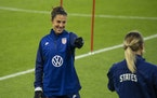 Carli Lloyd laughed and pointed to defender Abby Dahlkemper during a drill at the start of practice Monday at Allianz Field in St. Paul.